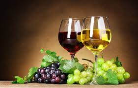 Потребление вина полезно пациентам, страдающим от диабета второго типа – тем, кто должен следить за уровнем сахара в крови.